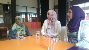 In gesprek met Schilderswijk Moeders in buurthuis De Mussen.